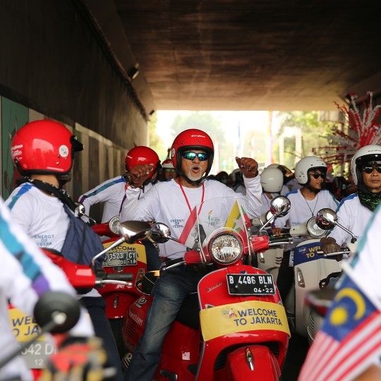 04 Vespa Torch Relay Asian Games