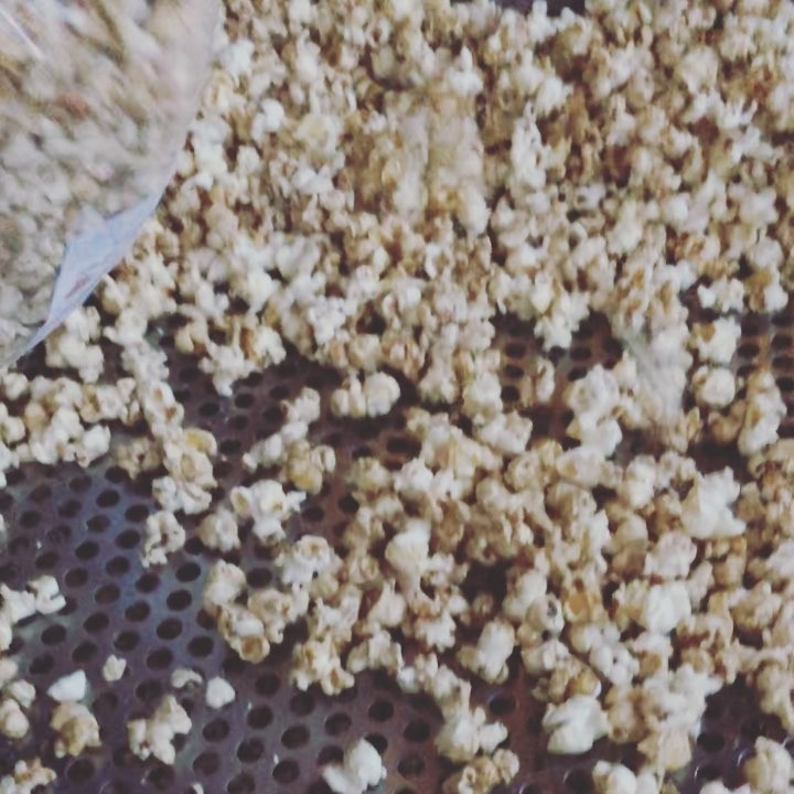 If Instagram had a smell button 🍿🍿 … Calicornia are down at the free movie night in Drouin Civic Park popping fresh popcorn for the . Make sure you sample this popcorn next Saturday at Warragul Farmers Market – be warned, it's addictive