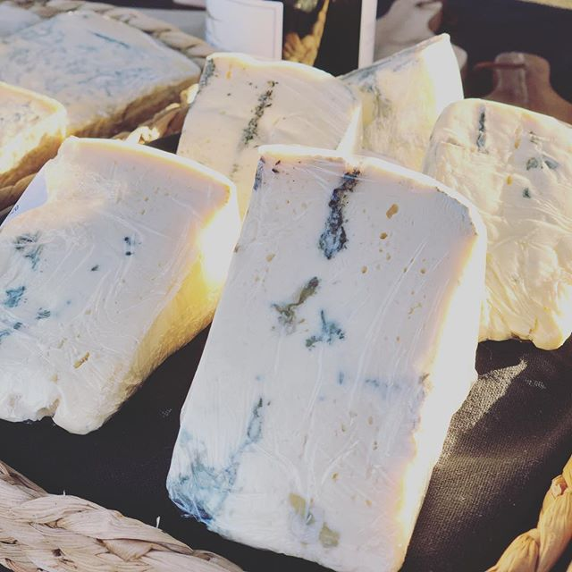 🧀 made on the farm by Tarago River Cheese company, Shadows of Blue is a double cream blue cheese, wrapped in natural bees wax and aged. Perfect with a glass of red by the fire! @taragorivercheese