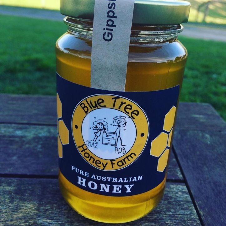 What honey do you have in your cupboard?  The best honey is not heat treated or blended, it's raw local & delicious. Support a local business & get to know where your food comes from like @blue_tree_honey_farm