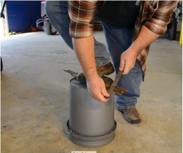 Sharpening mower blades