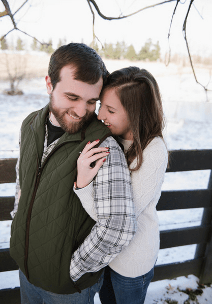 Engagement photos in the snow at Warrenwood Manor, Photo by Lindsey McDonald Photography