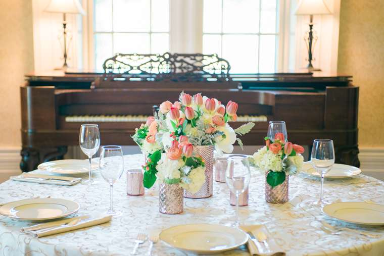 Ivory, rose gold and pink tablesetting in Warrenwood Manor