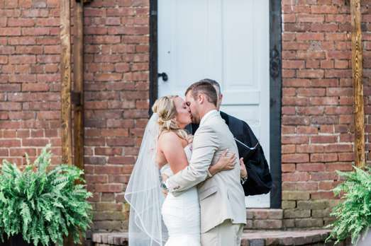 Traditional southern outdoor wedding in Central Kentucky