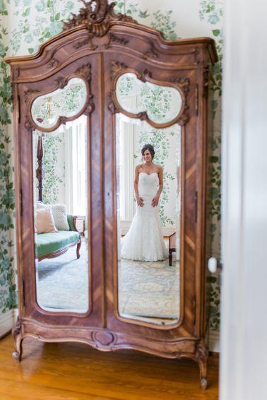 Bride in Warrenwood Manor Bridal Suite
