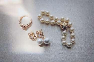 Vintage glam bridal accessories