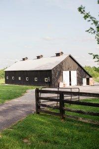 Kentucky barn wedding venue