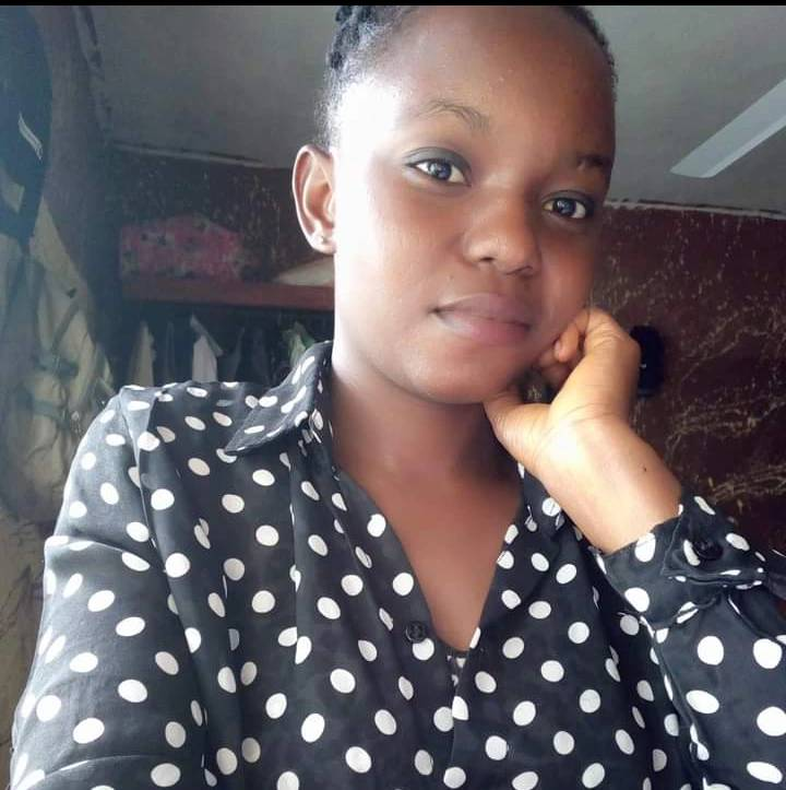 """""""I woke up by 2am and saw someone's shadow removing clothes"""" - lady narrates experience with a man"""