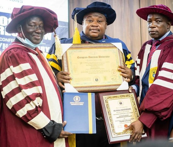"""""""Na mumu dey do thesis for 4 years"""" – Reactions as Cubana Chief Priest bags doctorate degree"""