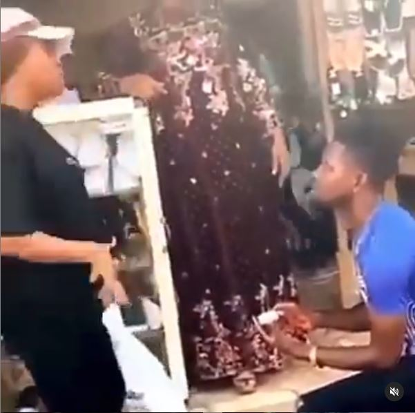 """Your thing is too small"" – Lady turns down man's proposal in public (Video)"