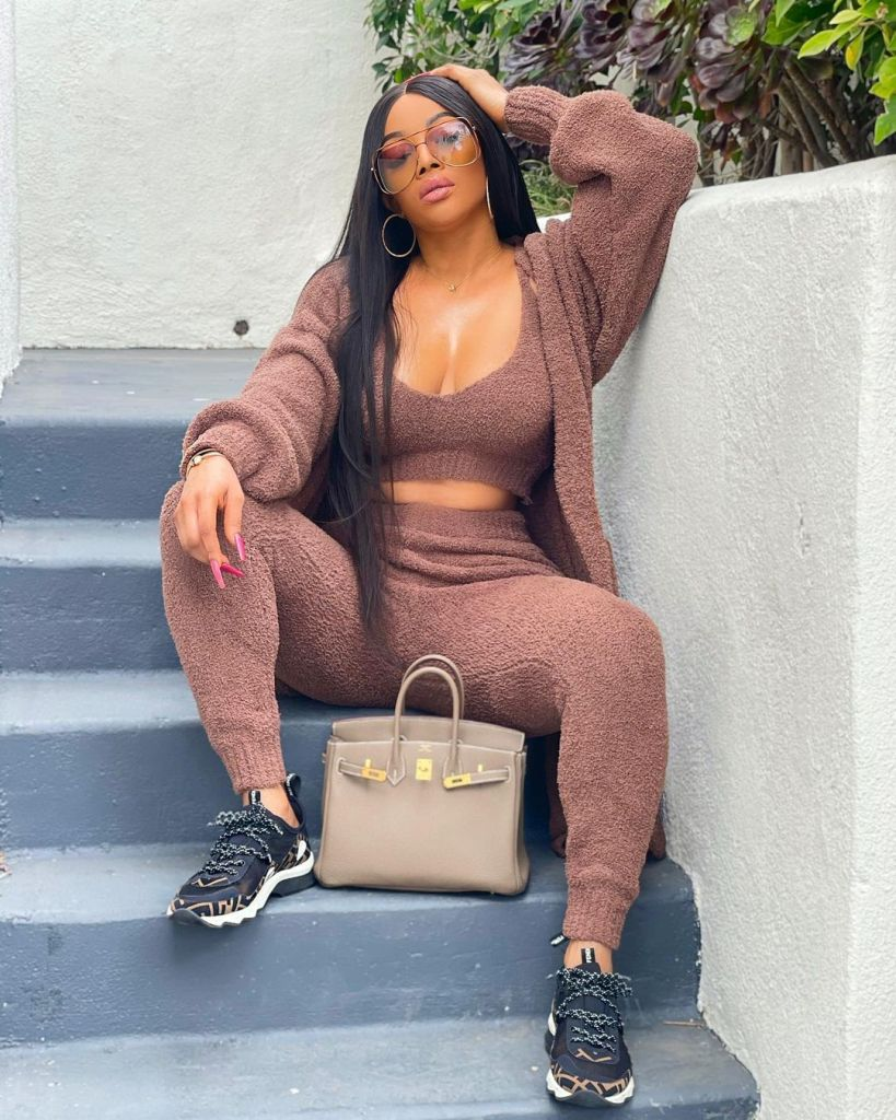 """""""To keep the 10 commandments these days is easy, I can't risk going to hell for anybody"""" – Toke Makinwa"""