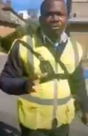 """Nigerian man screams """"Jesus, Jesus"""" after being caught red-handed trying to meet a 15-year-old girl he was wooing in London (video)"""