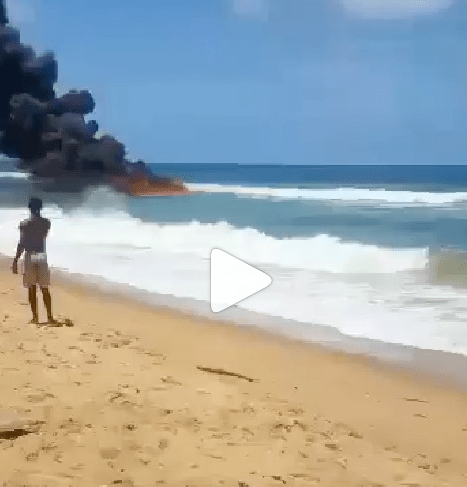 Fire outbreak at Ilashe beach in Lagos (video)