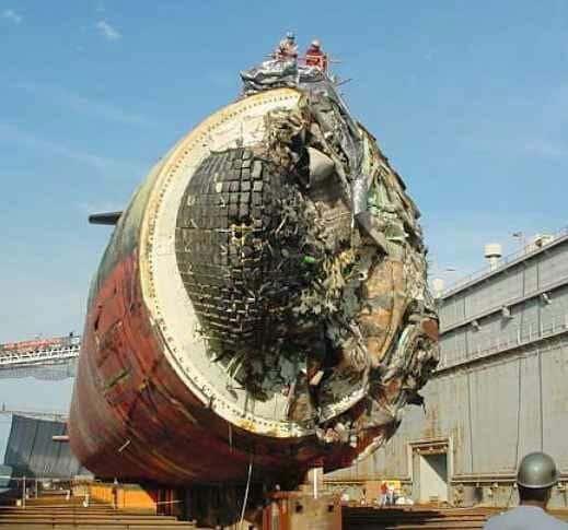 Jadrová ponorka USS San Francisco mala nehodu.