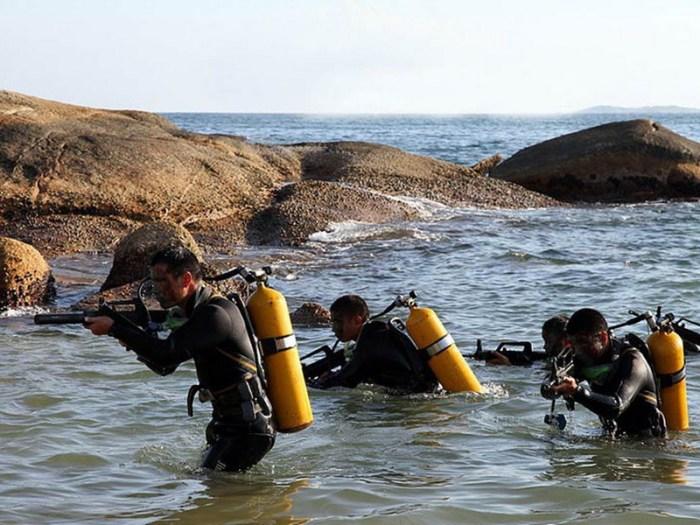 Иллюстрация №8 Учение боевых пловцов разведроты ВМС (http://www.china-defense-mashup.com)