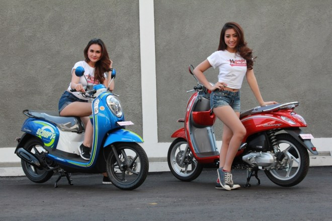 Warna Baru Honda Scoopy FI 2016 Urban Blue dan Vogue Red