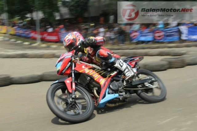 Boy Arbi juara MP1 Motoprix Serang Banten