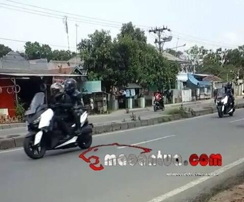 2-yamaha-x-max-spyshots-indonesia