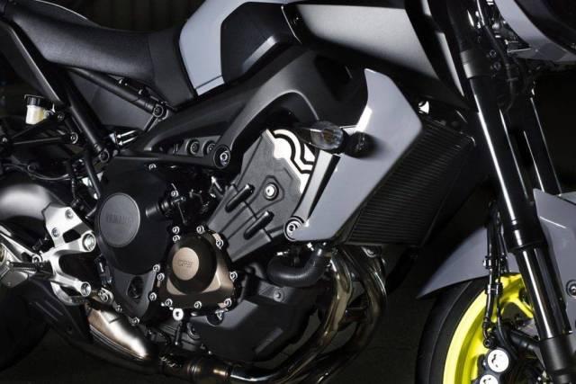 Frame Yamaha MT-09 warna hitam