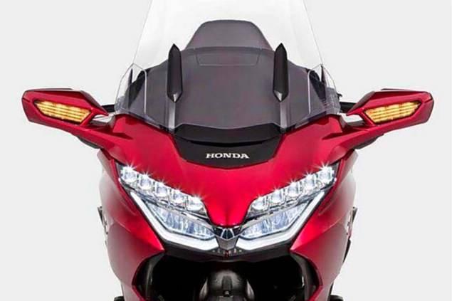 Honda Gold Wing 2018 Facelift, Headlampnya Cocok Nih Buat PCX atau Vario Facelift?