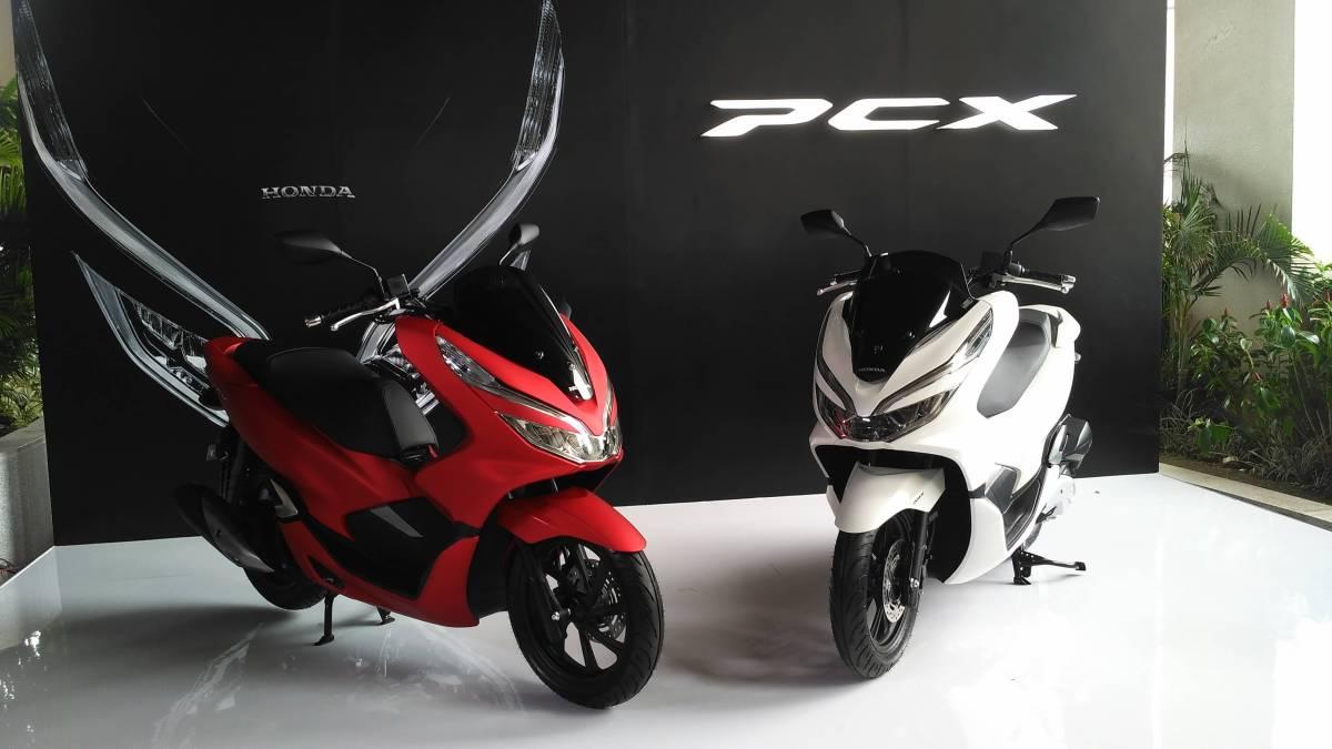 Galeri Foto Honda PCX 150 , Udah Keyless!