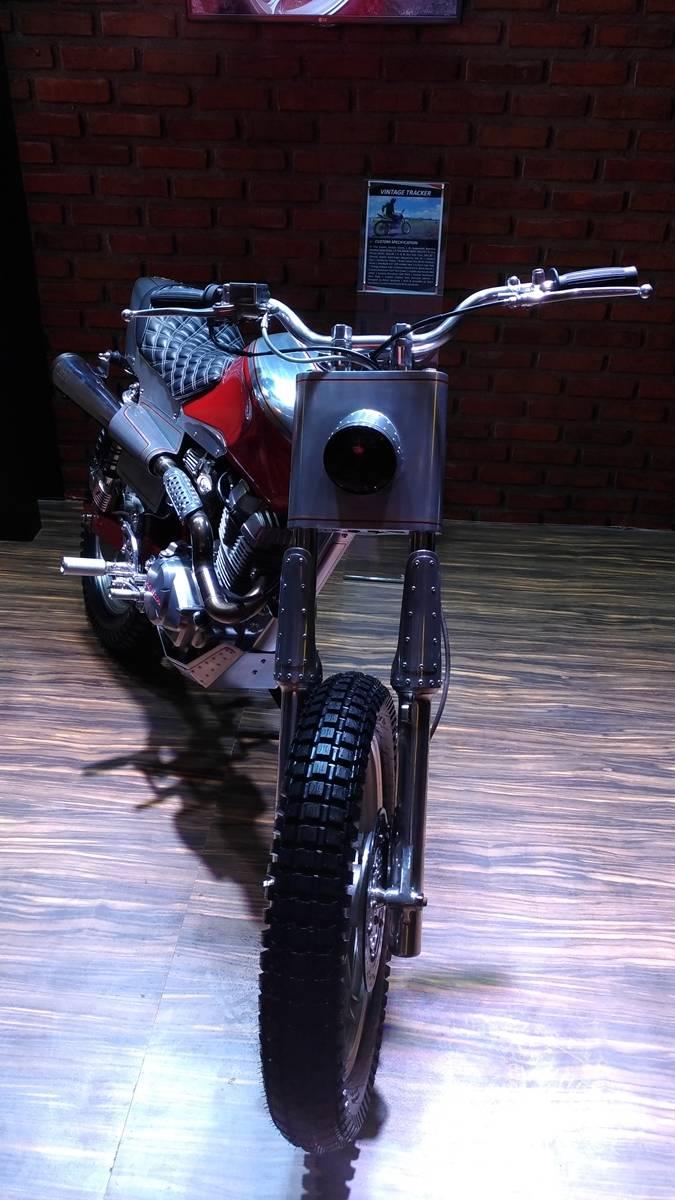 Modifikasi Honda CB150 Verza Bergaya Flat Tracker WARUNGASEP