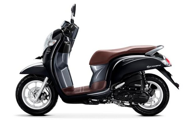 scoopy 2018 stylish black