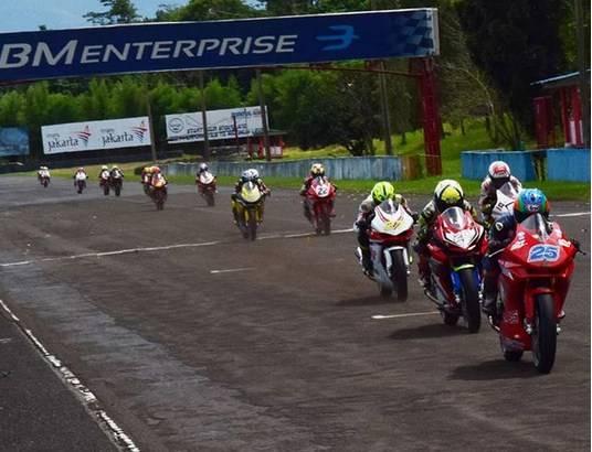 Hasil IRS 2018 Round 1 Kelas Sport 250cc, CBR250RR Kalahkan Yamaha R25 di Race 1, Ninja Finish ke-13
