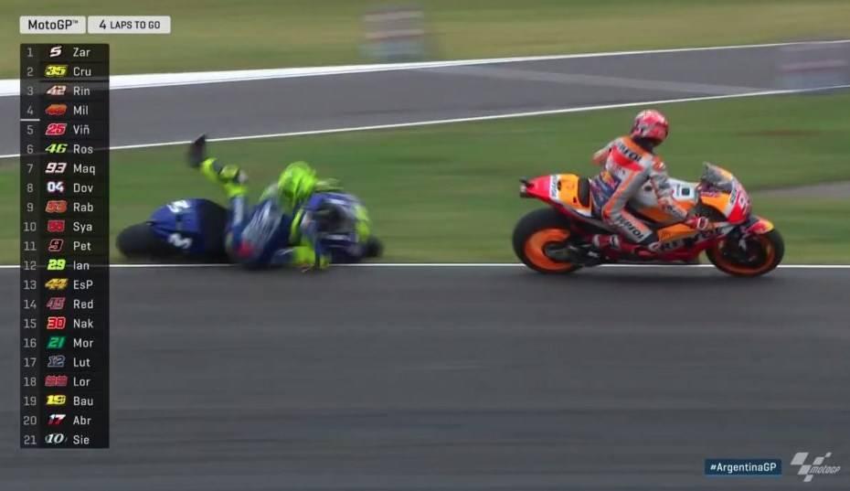 marquez nabrak Rossi
