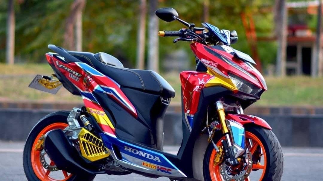 Inspirasi Modifikasi Honda Vario 150 Racing Look Livery Red Bull