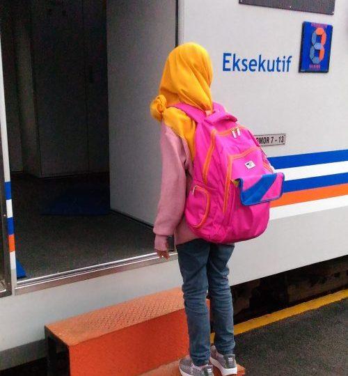 rencanakan liburan dengan naik kereta api melalui aplikasi Traveloka