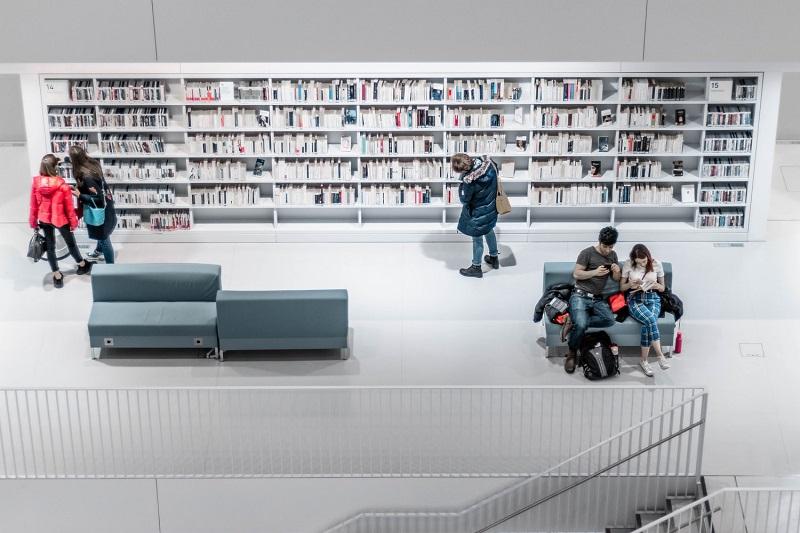 manfaat membaca bagi penulis,manfaat membaca bagi kesehatan otak,manfaat membaca bagi siswa,manfaat membaca bagi kesehatan mental