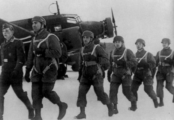 Sowjetische Fallschirmjäger