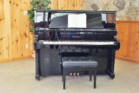 Assembly Hall pianoAH