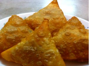 Vegetarian Samosa (Deep Fried)