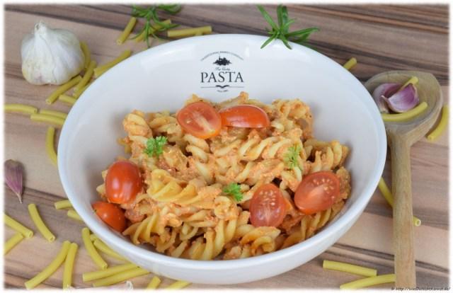 One Pot Pasta Variation mit Quark und Sellerie fertig