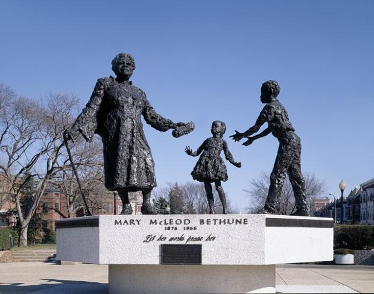 Mary Mcleod Bethune Statue Lincoln Park