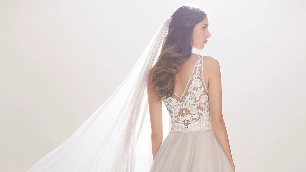 Get A Designer Wedding Dress On The Cheap At This Insane