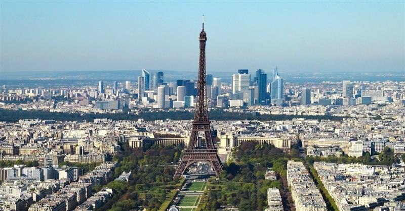 As Paris Attacks Shift Public Opinion, How Can Christians Respond to Refugee Crisis (Photo ChristianHeadlines.com)