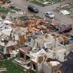 Dozens killed in US massive storms (egagah.blogspot.com)