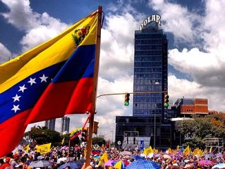 **FILE** Peaceful protestors demonstrate in Caracas, Venezuela. (Diego Urdaneta via Wikimedia Commons)