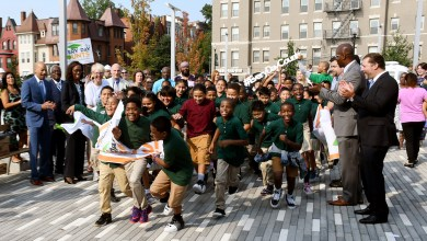 Students at Marie Reed Elementary School in northwest D.C. race to class on the first day of the 2017-18 school year. (Roy Lewis/The Washington Informer)