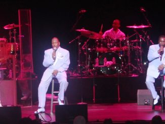 The O'Jays serenade the crowd. (Timothy Cox)