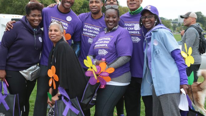 District residents walk for Alzheimer's. (Demetrious Kinney/The Washington Informer)