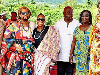 Lil Jon (second from left) visits Ghana. (Courtesy of myjoyonline.com)