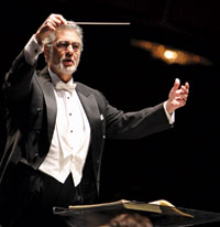 Plácido Domingo conducts the WNO in Messe Solenelle.