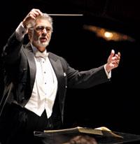 Plácido Domingo conducts the WNO in Messe Solenelle.