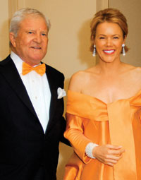 "Former American Ambassador to the Netherlands Howard Wilkins and his wife Rhonda celebrate ""America's longest uninterrupted ally"" at the 13th Annual Netherland- America Foundation Awards Dinner by wearing the Dutch national colors. (Photo by Kyle Samperton for The NAF)"