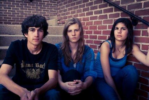 Power Pirate: Michael Garate (keyboards), Emily Pakulskl (vocals, guitar), Annika Monari (drums)