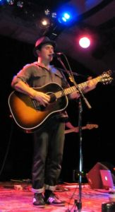 Artist Jason Reeves graces the stage